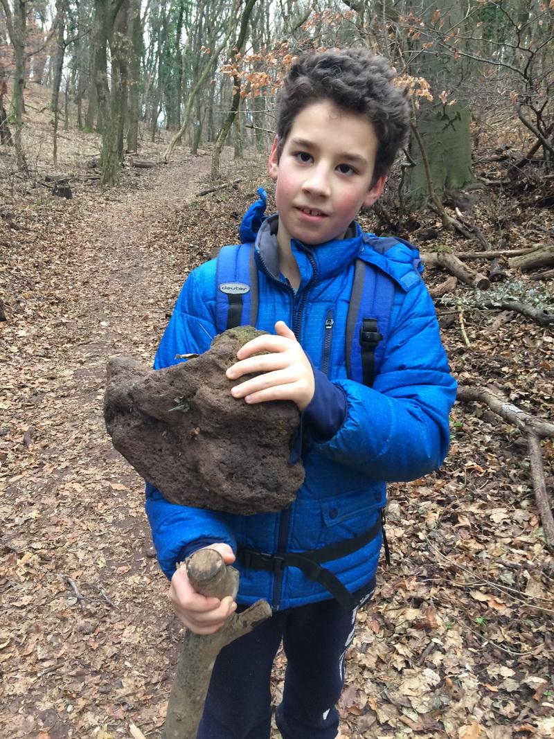 Könnyű, szivacsos kőzet