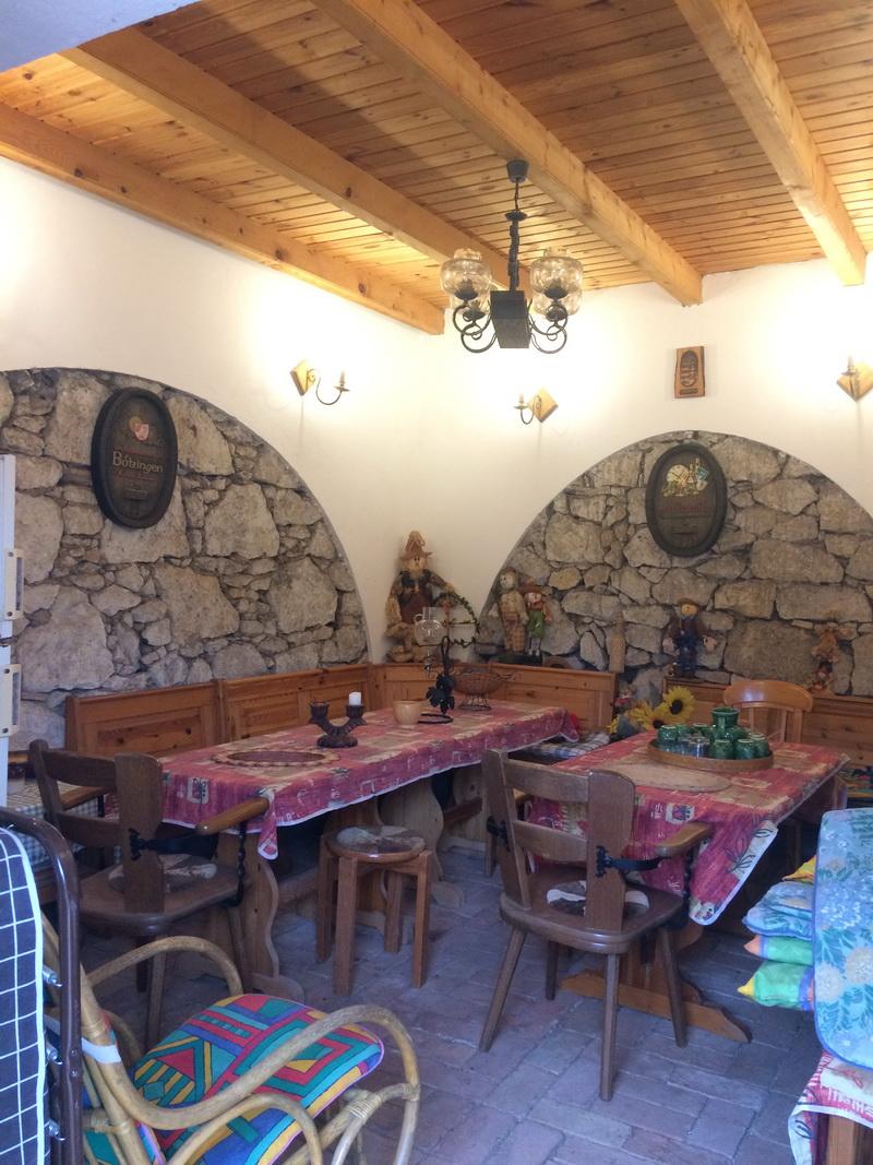 A külső borozó helyiség