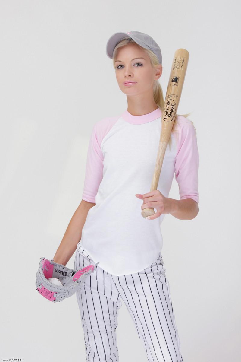 x-art_francesca_baseball_babe-3-sml.jpg