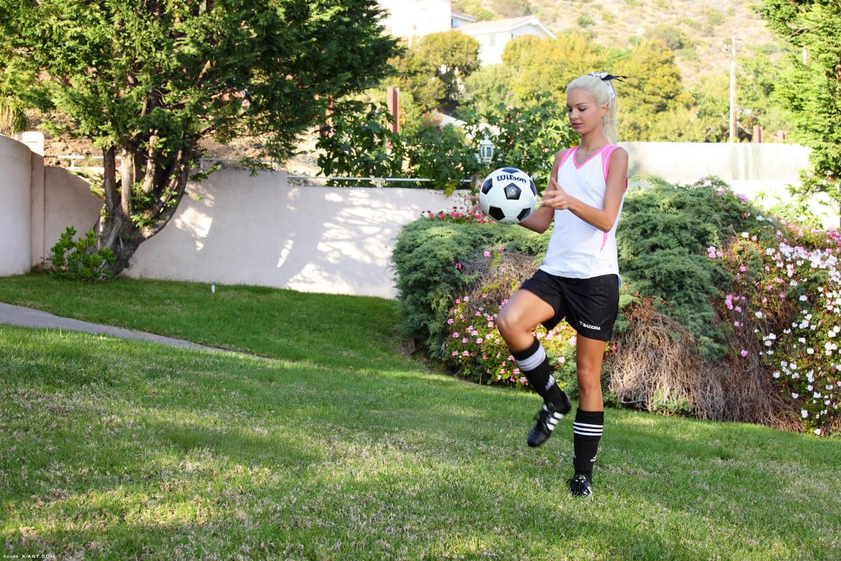x-art_francesca_soccer_star-5-sml.jpg