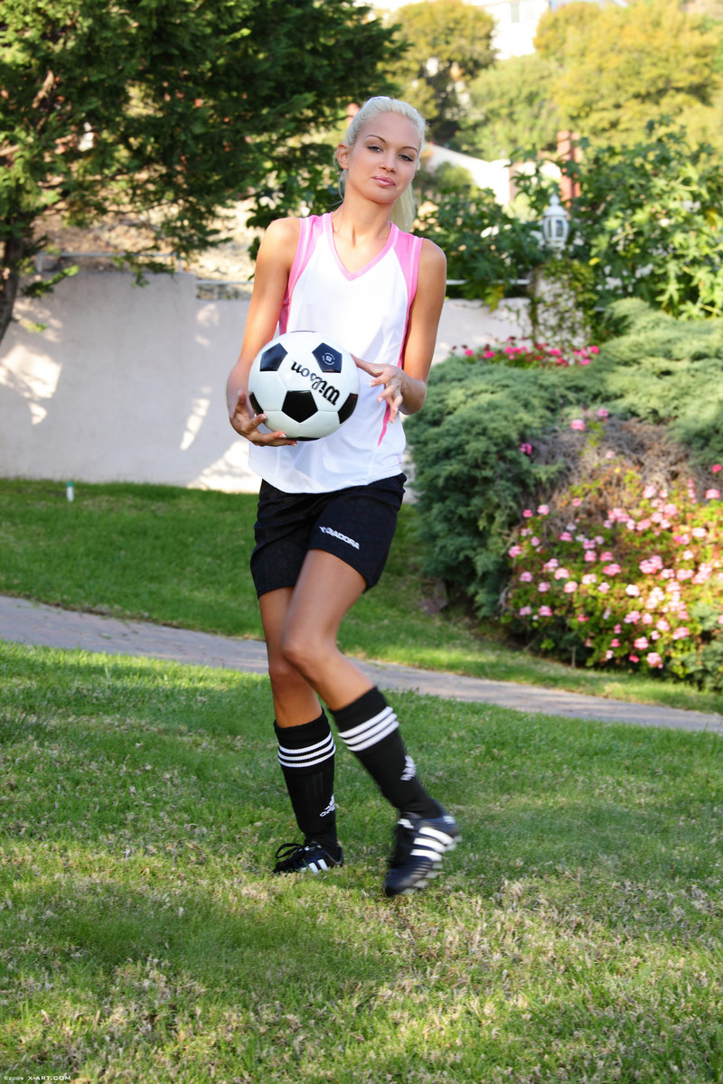x-art_francesca_soccer_star-6-sml.jpg