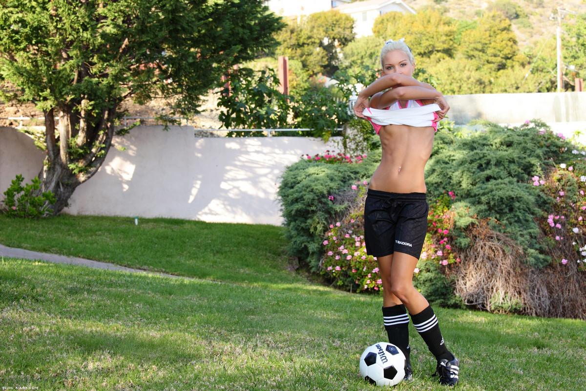 x-art_francesca_soccer_star-8-sml.jpg
