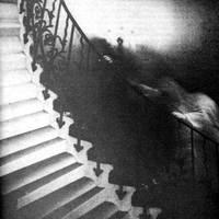 Szellem a lépcsőn