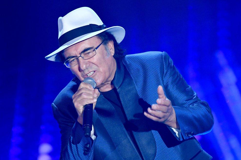A versenyben szereplő énekesek közül egy ismerős arc is megmérettette magát. Igen, ő Al Bano.<br />Többször is szerepelt Sanremoban - egyszer nyert is, - de például a kitörölhetetlen 'Felicitá' slágerrel csupán a második helyen zárt.<br />Idei versenydalával ('Di rose e di spine' - 'Rózsa és tövis') viszont kiesett. A közönség a kiesésekor a nemtetszésének is hangot adott.