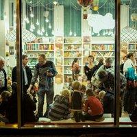 Könyvesek: Pagony a Gellért térnél