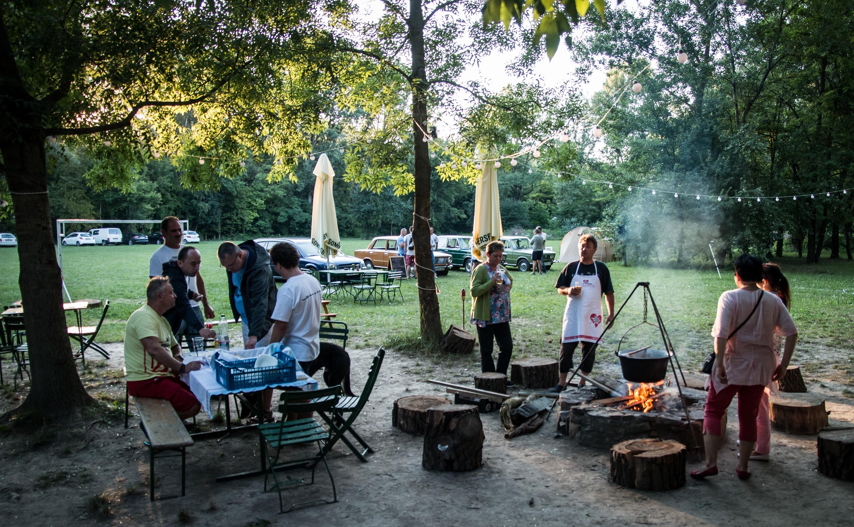 Csapatépítő bográcsozás, főzés, sütés, alkotás (outdoor, indoor)