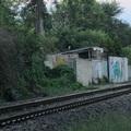 Hitelképes ingatlan és autóbehajtó a vasúti töltésből - egyetlen papírral