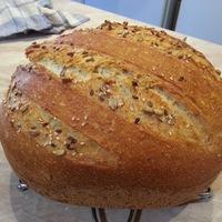 Autolízissel és hajtogatással készült legyezős kenyér