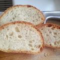 Morzsókás élesztett kovászos kenyér