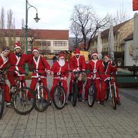 Biciklis Mikulások ?