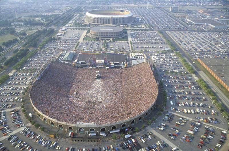 live-aid-concert-aerial-jfk-stadium-philadelphia.jpg