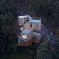 Öt ház lehetetlen helyeken