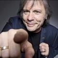 Kiborult az Iron Maiden énekese