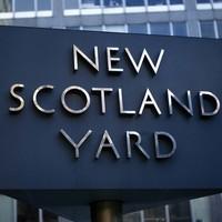 Bezár a Scotland Yard