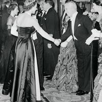 A királynő találkozásai: Chaplintől Lady Gagáig
