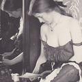 Ritka fotók a 19. század örömlányairól