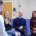 Bizarr oka van, hogy Kate Middleton nem veszi le a kabátját