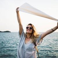 A szingli nők boldogabbak, mint a szingli pasik