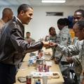 Hírességek fura munkái Barack Obamától George Clooney-ig