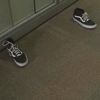 A cipődobálás a legújabb netes hóbort