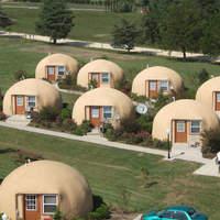 A jövő otthonai: a kupolaház és a lebegő lakás