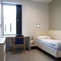 Luxusbörtönben a norvég tömeggyilkos?