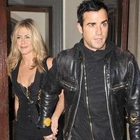Jennifer Aniston bazi nagy görög lagzija?