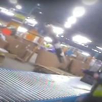 Így dobálják a törékeny csomagokat!