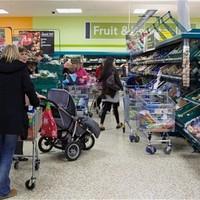 Így vernek át a szupermarketek