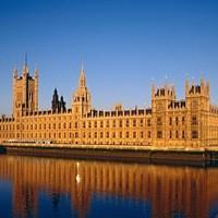 Egészen példátlan: buli lesz a Parlamentben!