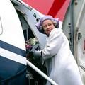 Így uralkodik II. Erzsébet az időeltolódáson