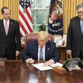 Trump útja a tagadástól az országos vészhelyzetig