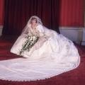 Kiállítják Diana hercegnő esküvői ruháját