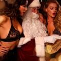 Az év legszexibb karácsonyi videója