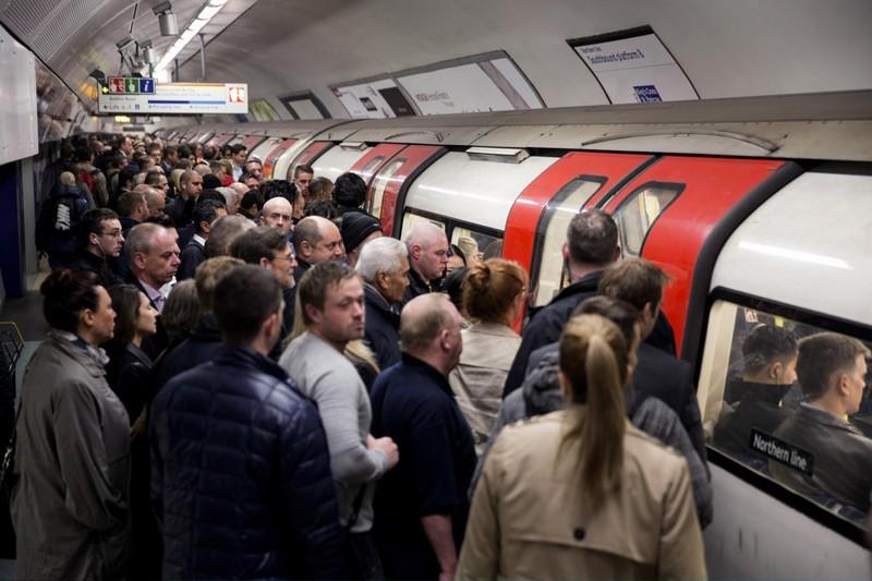 nagy-britannia_london_metro.jpg