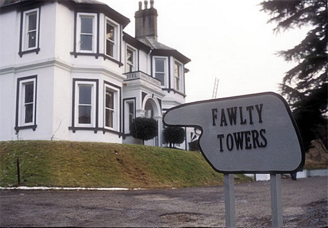 Fawlty Towers cím.jpg