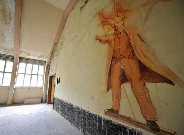 Lenin a falon.jpg