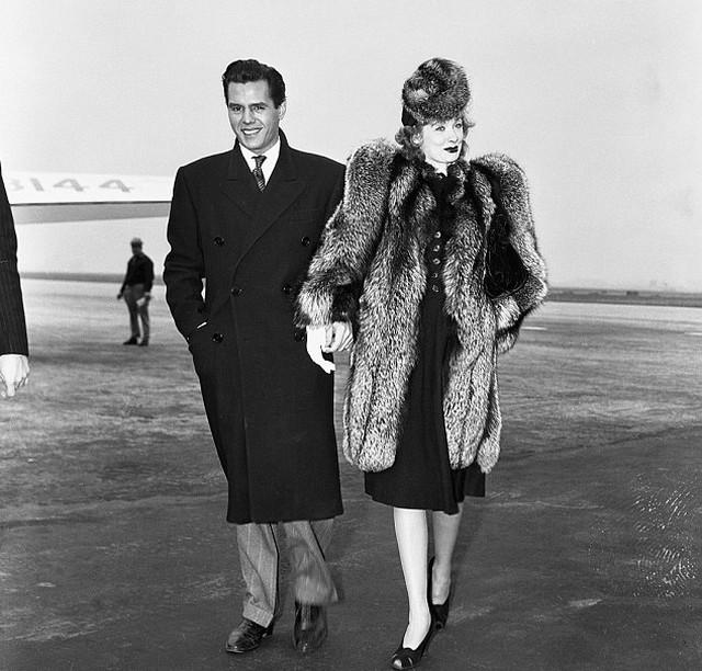 Lucille Ball és leendő férje.jpg