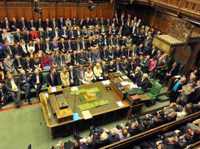 Parliament ülésterem.jpg