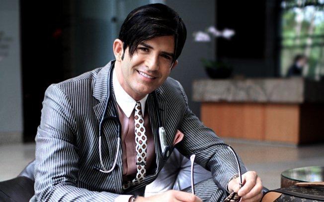 Robert Rey Dr Hollywood.jpg