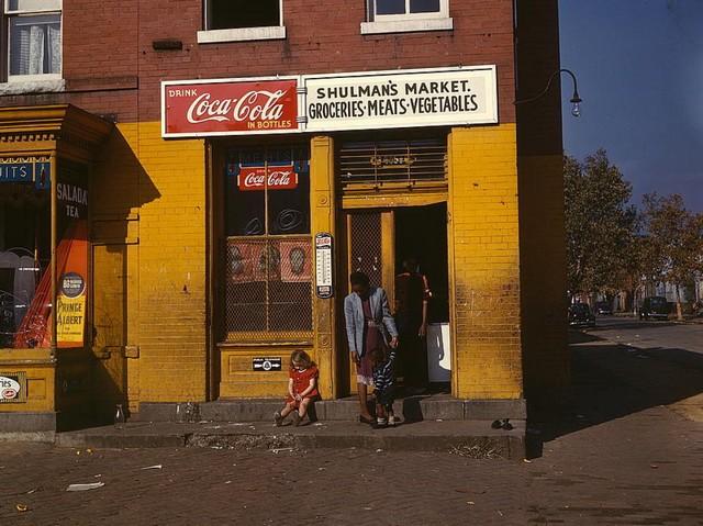 Washington DC, 1941 Coca Cola.jpg