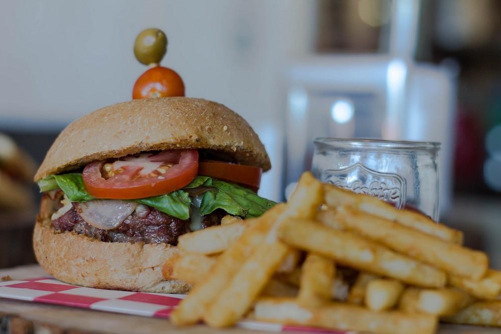 burger_foto_pixabay_com_avalancha333.jpg