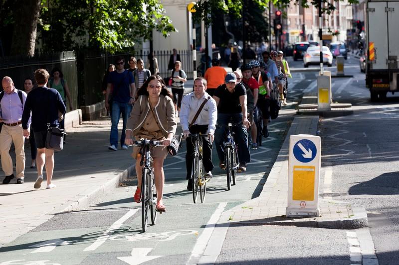nagy-britannia_london_bicikliut_foto_eltis.jpg