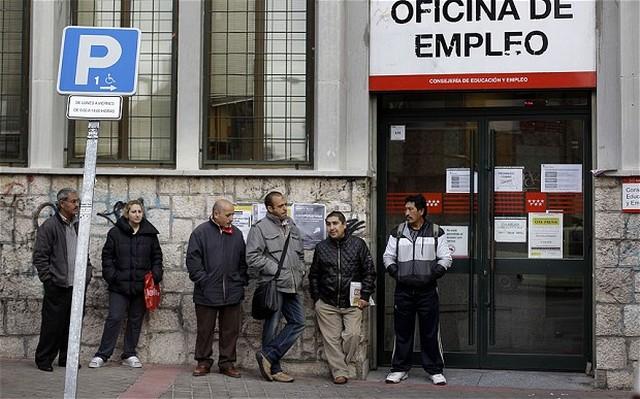 spanyol munkanélküliek.jpg