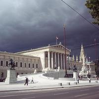 Parlamentek versenye