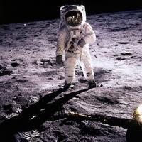 Buzz Aldrin becsülete
