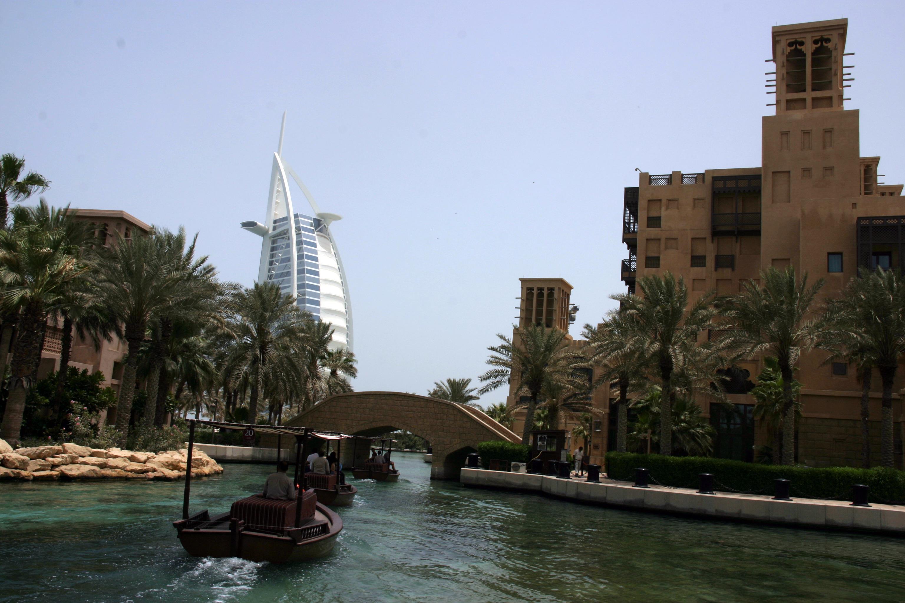 Souk Medinat Jumeraih és Burj al-Arab