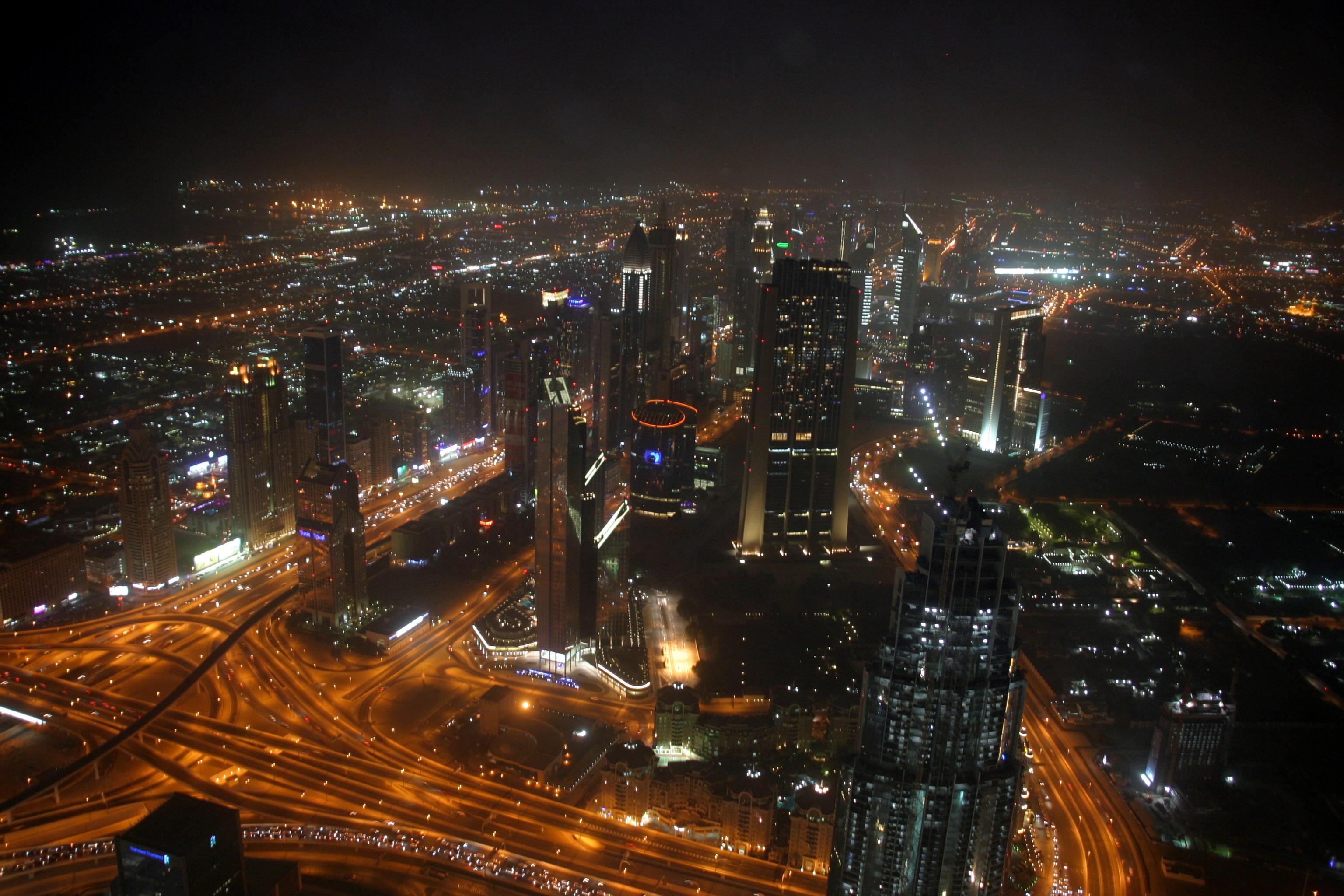 Dubaj esti panorámája a világ legmagasabb felhőkarcolójából
