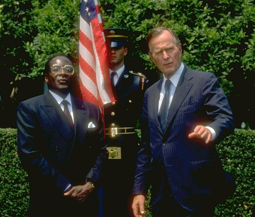 robert-mugabe_1991_bush.jpg