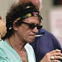 1943-ban a mai napon - 12-18-án - született Keith Richards